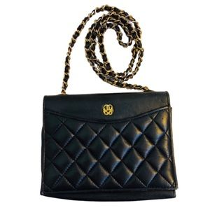 Vtg Leather Quilted Chain link Strap Mini Bag blk